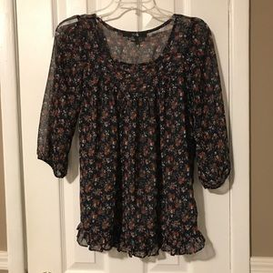 Forever 21 navy multi floral blouse w ruffle